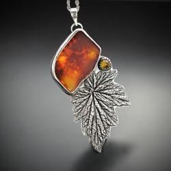 srebrny,wisior,z bursztynem,z turmalinem - Naszyjniki - Biżuteria