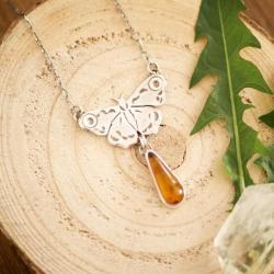 naszyjnik z motylem,z bursztynem,motyl,bursztyn - Naszyjniki - Biżuteria