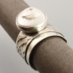 srebrny pierścionek z perłą - Pierścionki - Biżuteria