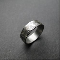 srebro,młotkowana,oksydowana,surowa,damska - Pierścionki - Biżuteria