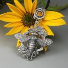 Wisiory pszczoła,pszczółka,kwiaty,miodowy,bursztyn