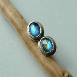 z kamieniem księżycowym,na sztyftach - Kolczyki - Biżuteria