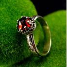Pierścionki nehesi,pierścień,srebrny,srebra,granatem