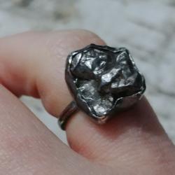meteoryt,blask,czerń,srebrny,szary,srebro - Pierścionki - Biżuteria