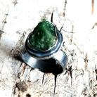 Pierścionki tsavoryt,srebrny,szary,zieleń,skała,minerał,blask,