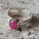 Pierścionki rubin,blask,bordowy,srebrny,unikat,malinowy