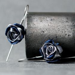 wiszące kolczyki róże,kolczyki z jedwabną tkaniną - Kolczyki - Biżuteria