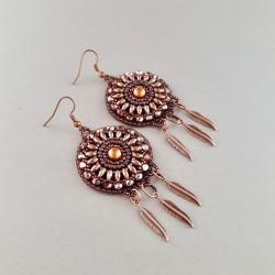 kolczyki z piórkami,haft koralikowy - Kolczyki - Biżuteria